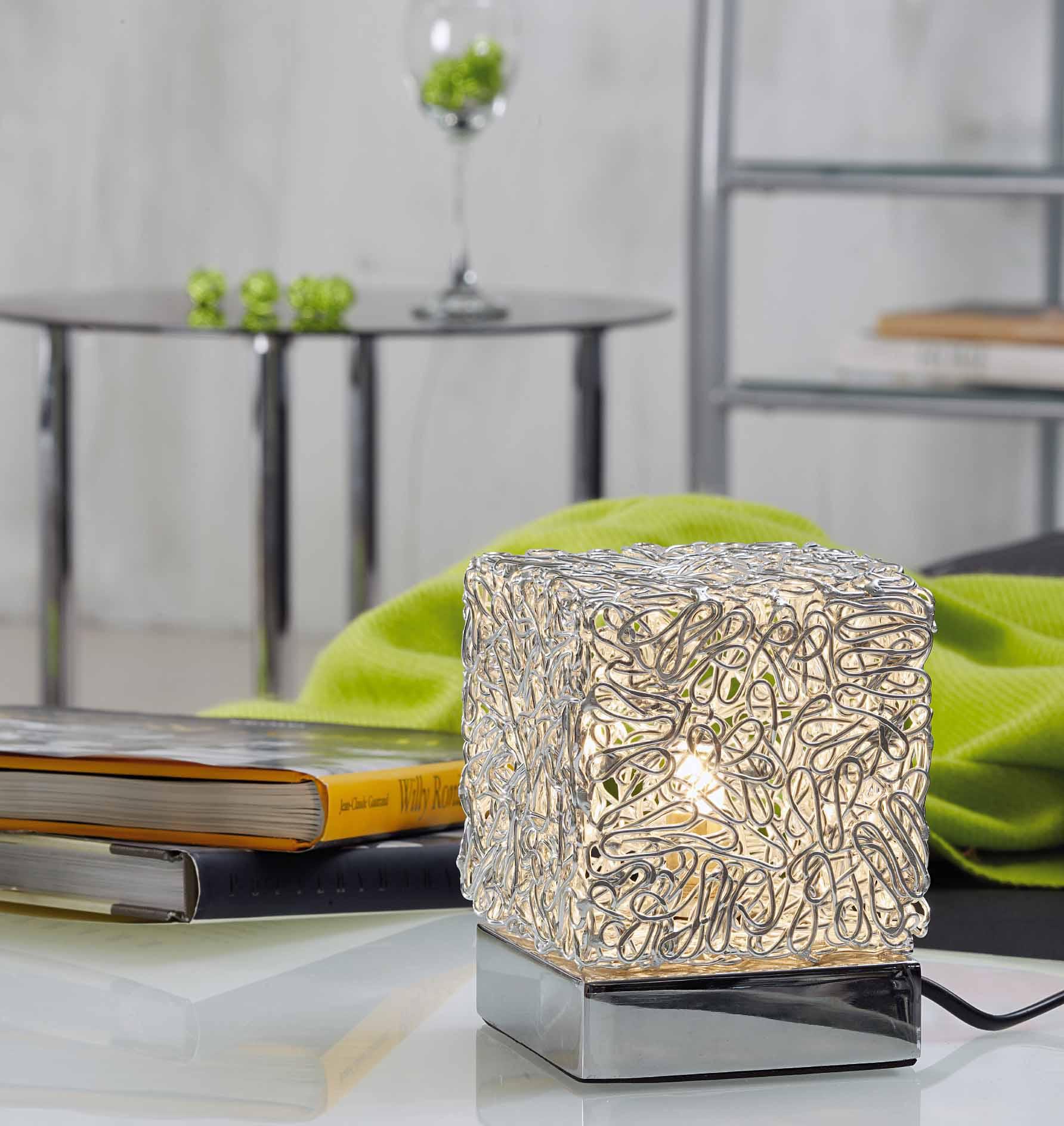 Pratiko storelampada da tavolo bizzotto cubo pratiko store for Lampade da tavolo per ufficio